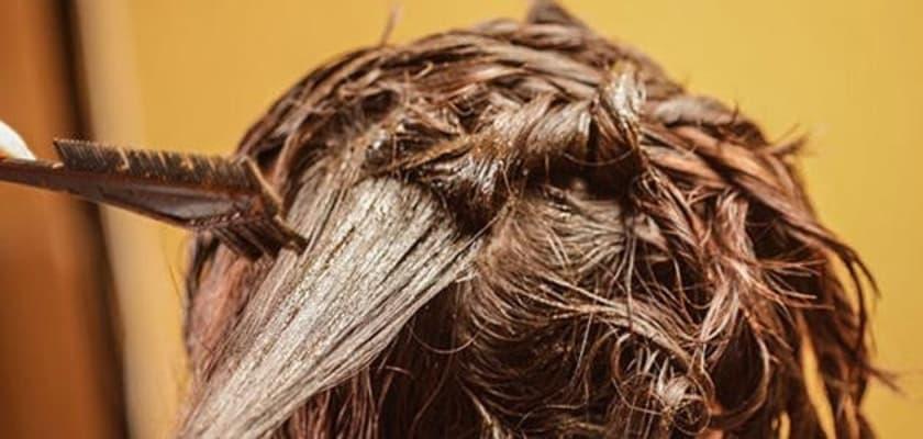 صبغ الشعر التالف بمكونات طبيعية منزليا.