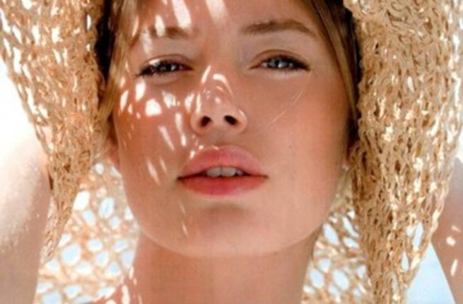 طرق العناية بالبشرة الدهنية في الصيف للحفاظ على نضارة البشرة وانتعاشها
