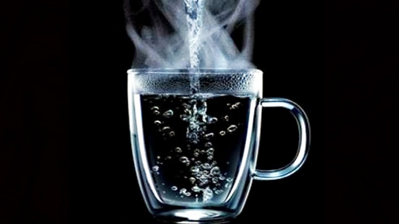 فوائد الماء الساخن