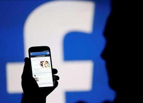 بعد التطور الأخير.. مؤسس «واتس آب» يحذر مستخدمي «فيس بوك»: «حان الوقت.. امسحوه الآن»