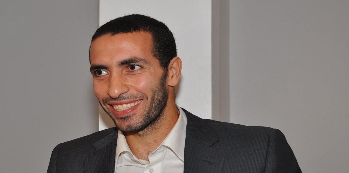 أحمد موسى يهدد أبو تريكة على الهواء مباشرة و يكشف عما سوف يحدث له في حالة عودته إلى مصر (فيديو)