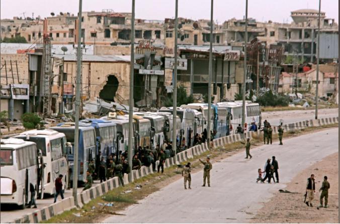 مع خروج المسلحين السوريين من الغوطة .. تقف مدينة دوما لوحدها