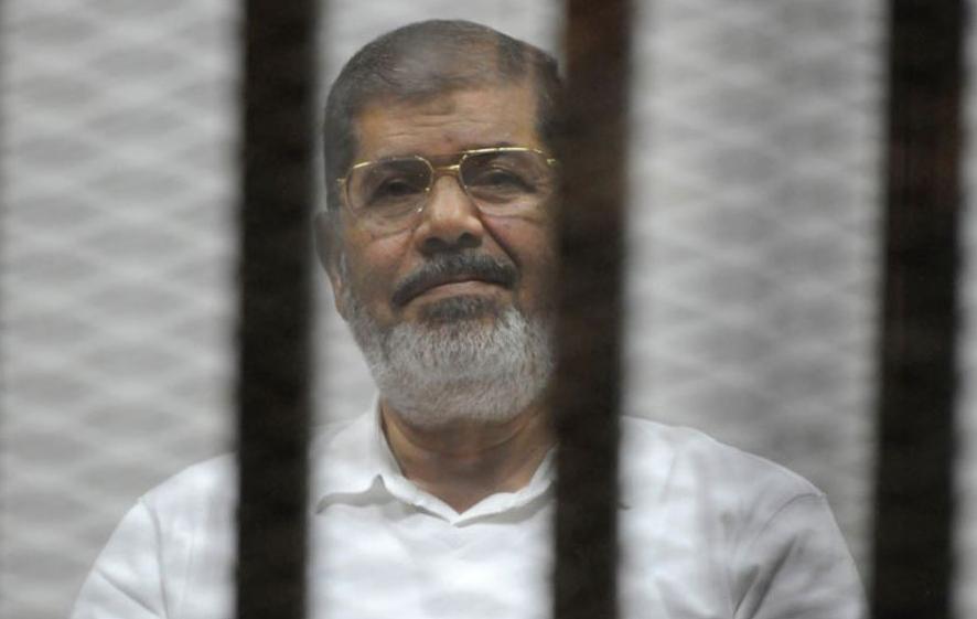 وفد بريطاني يطلب زيارة محمد مرسي للإطمئنان على حالته الصحية والبرلمان يرد