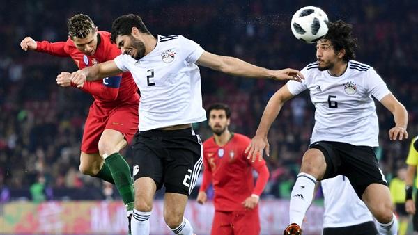 """كريستيانو رونالدو يسخر من """"مدحت شلبي"""" بعد نهاية مباراة مصر والبرتغال"""