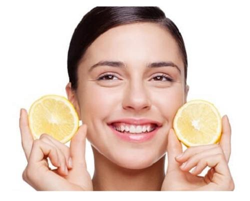 فوائد تقشير الوجه وأضراره