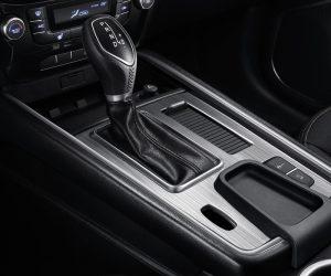 الشكل الداخلي للسيارة جيلي أمجراند X7