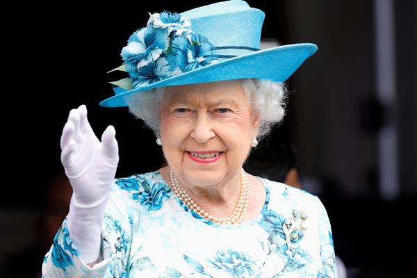 صحيفة الإيكونوميست البريطانية: الملكة إليزابيث من نسل النبي محمد ومن حقها حكم المسلمين