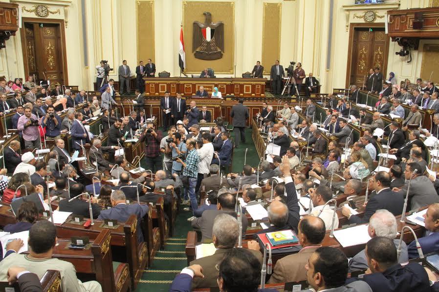 الموافقة على مشروع قانون يفرض عقوبات ضد الفاعلين والمحرضين على الجرائم عبر الأنترنت في مصر