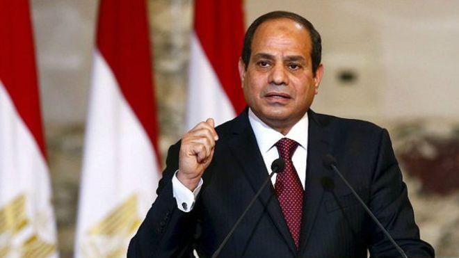 الرئيس «السيسي» يحسم الجدل ويكشف حقيقة تسريح بعض موظفي الدولة