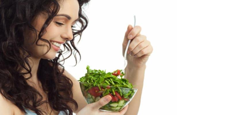 أطعمة صحية للعناية بالشعر التالف