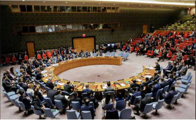 تهديد الهجمات الغربية على سوريا والولايات المتحدة وفرنسا تهاجمان الأسد في الأمم المتحدة