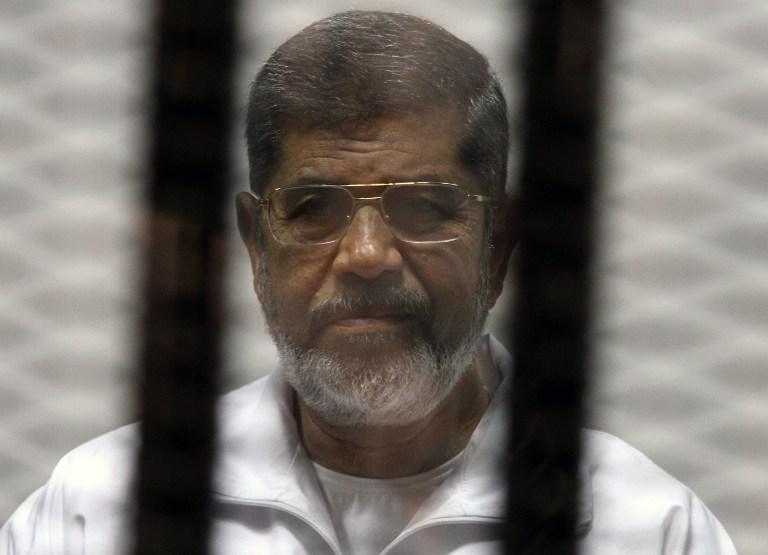 """نجل """"محمد مرسي"""" يكشف حقيقة تدهور حالة والده الصحية ونقله لمستشفى الجلاء"""