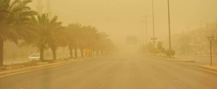 هيئة الأرصاد تحذر المواطنين من ارتفاع درجة الحرارة مع سقوط الأمطار وعاصفة ترابية
