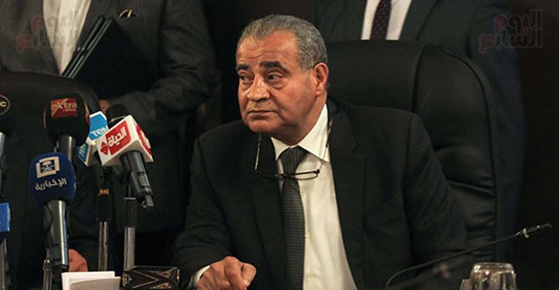 تصريح صادم من وزير التموين بشأن ضم المواليد لبطاقات التموين