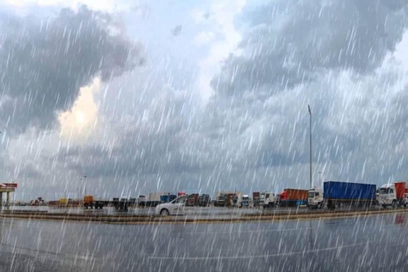 """الأرصاد الجوية تكشف مفاجآت غير متوقعة في حالة الطقس الأيام القادمة """"أمطار رعدية وسيول"""" وتوجه رسالة إلى المسئولين"""