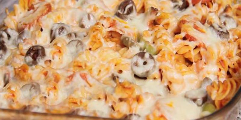 بالصور طريقة عمل بيتزا المكرونة اللذيذة