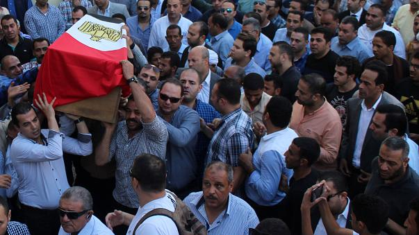 وفاة 5 مواطنين مصريين في الكويت.. والدولة تقدم التعازي وتفتح تحقيق في الواقعة