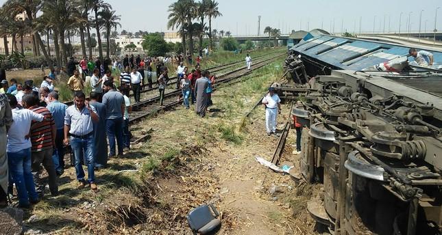 تصادم قطارين بأسوان ومدير عام السكك الحديدية يكشف التفاصيل الكاملة