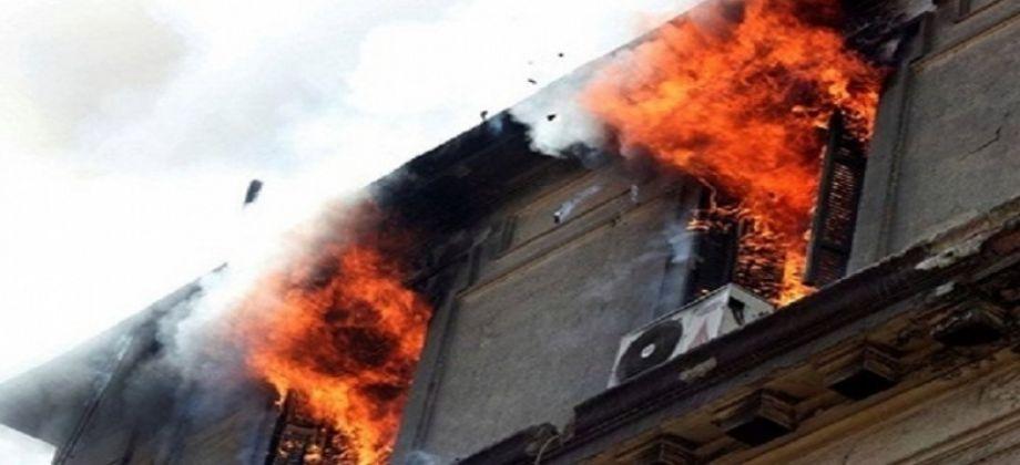 حريق هائل بمخزن مستشفى الصدر بالعباسية