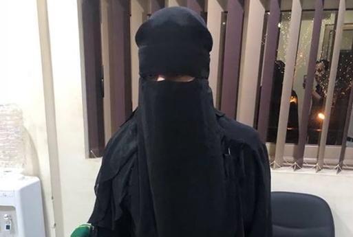 ضبط شاب يرتدي النقاب داخل دورات مياه السيدات بمول شهير في مدينة نصر.. ويكشف عن السبب«صور»
