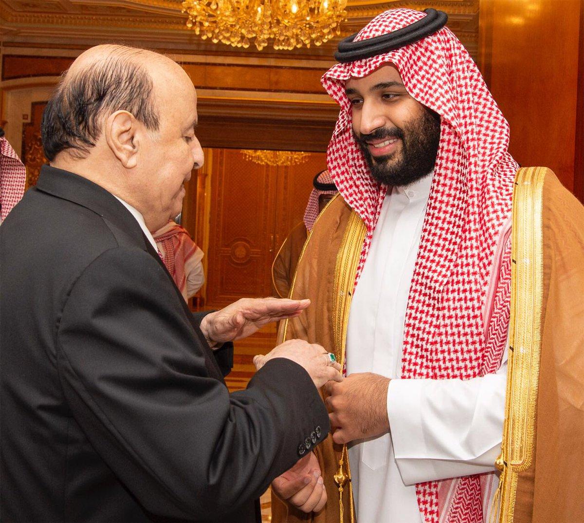 بالصور| شاهد الظهور الأول لولي العهد السعودي بعد شائعة وفاته 2