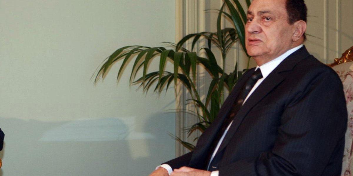 """طلبت منه سوزان الطلاق أكثر من مرة.. 5 صدمات قوية في حياة """"حسني مبارك"""" !"""