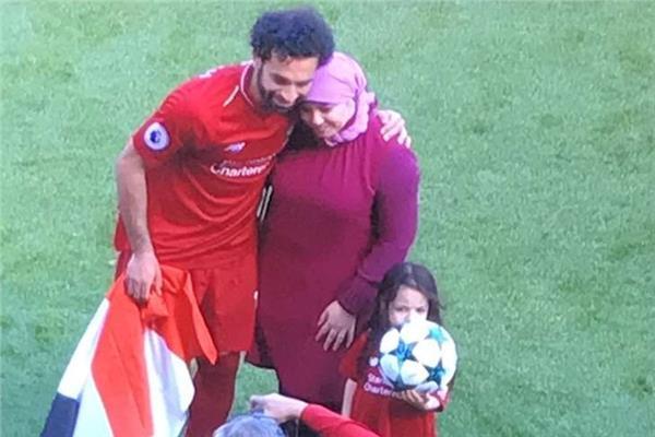 """مصادر: محمد صلاح ينتظر """"مولود جديد"""" خلال شهور قليلة"""