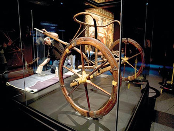 بالفيديو  تعرف على التفاصيل الكاملة لنقل العجلة الحربية الأخيرة لتوت عنخ آمون إلى المتحف المصري الكبير