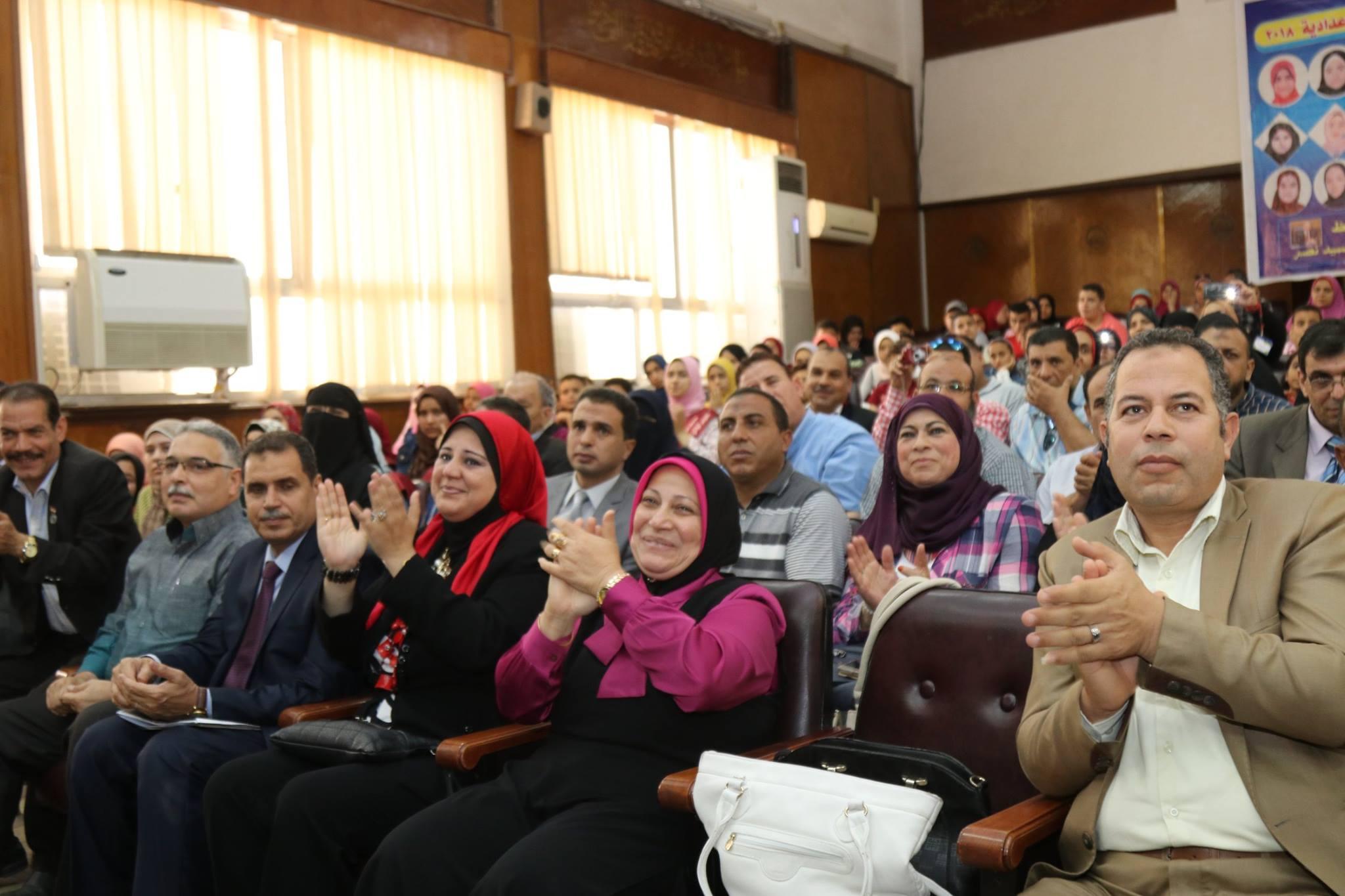 217104 6 جانب من الحضور اثناء التكريم - نتيجة الشهادة الإعدادية 2018 الترم الثاني برقم الجلوس كل محافظات مصر – روابط إعلان النتيجة بمديرية التربية والتعليم بجميع المحافظات