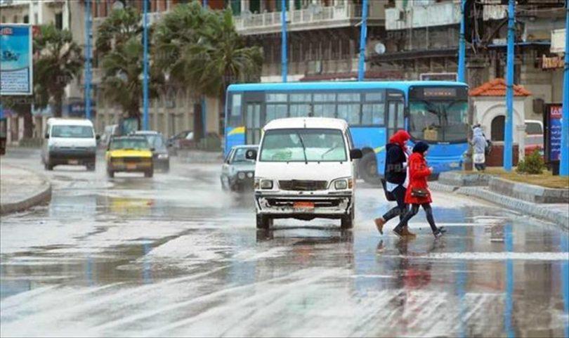 """صباح السبت.. أمطار غزيرة تضرب عدة محافظات.. والأرصاد تحذر المواطنين من """"الدائرة البيضاء"""" !"""