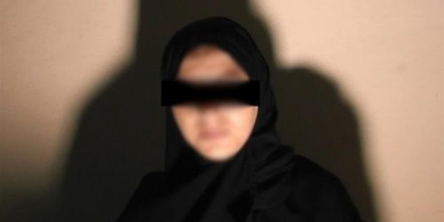 """""""جبروت إمراة"""".. سيدة تحطم رأس زوجها بالشاكوش بسبب 40 جنيه في الجيزة !"""
