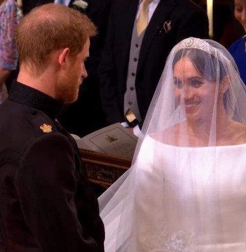 تعليق كوميدي من عمرو أديب على زفاف الأمير هاري والممثلة الأمريكية ميجان ماركل