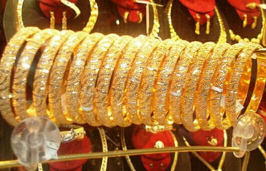 عاجل| انهيار مفاجئ في أسعار الذهب بالأسواق منذ قليل.. وتراجع جديد يهوي بسعر الجرام الواحد لمستوى غير متوقع
