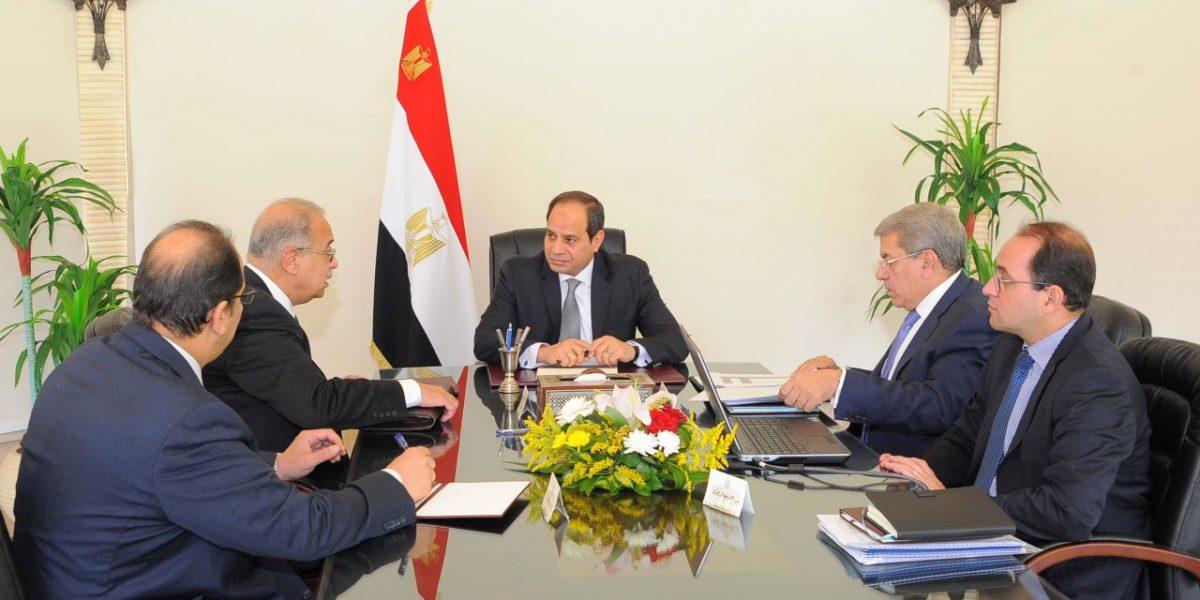 عاجل.. أحمد موسى يكشف موعد إستقالة الحكومة المصرية رسميًا