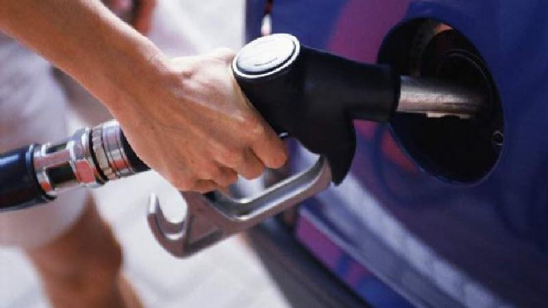 الاسعار الجديدة للوقود والمواد البترولية  بعد قرار الحكومة بزيادتها إعتباراً من اليوم