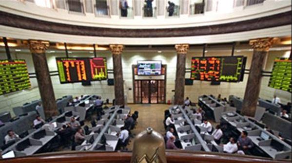 التقرير الأسبوعي يبين تراجع إجمالي قيمة التداول بالبورصة المصرية إلي 2.8 مليار جنيه