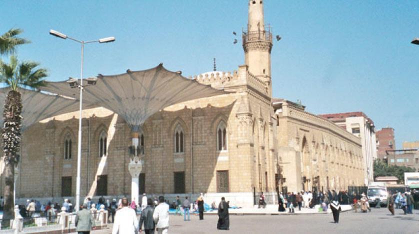 الأوقاف توضح حقيقة رفع الآذان الشيعي بمسجد الحسين بالقاهرة