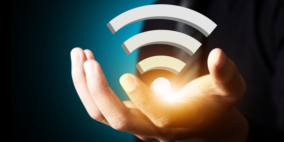 """رسميًا.. محافظة مصرية تعلن تشغيل خدمة الإنترنت """"واي فاي"""" مجانًا للمواطنين في الشوراع"""