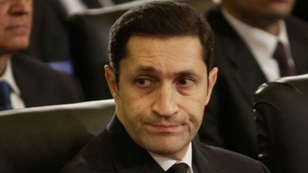 """تصريحات نارية.. علاء مبارك لـ أحد المواطنين: """"أنت محتاج تربية وشوية أدب.. ولازم تتعلم تحترم كبيرك"""""""