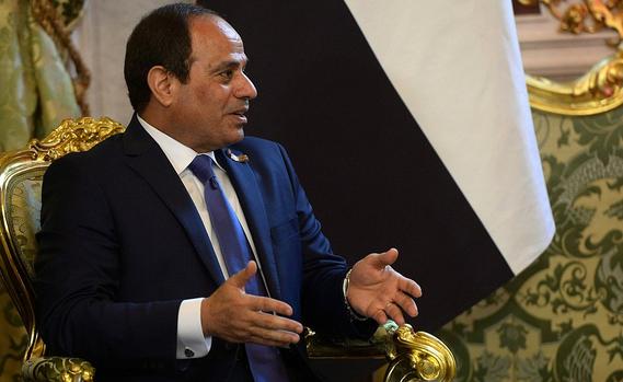 """رسميًا.. السيسي يصبح أول رئيس في العالم يزور """"أرض الأحلام"""""""