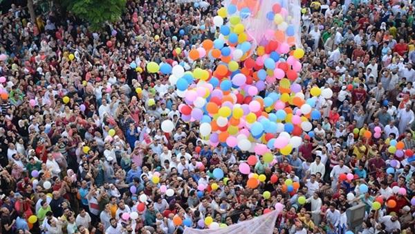 «العيد الثلاثاء أم الأربعاء».. دار الإفتاء المصرية تُعلن رسمياً أول أيام عيد الفطر.. صور