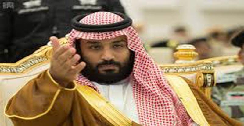 حديث جانبي بين «محمد بن سلمان» وممثل الدول القطرية في قمة التعاون الخليجي «فيديو»