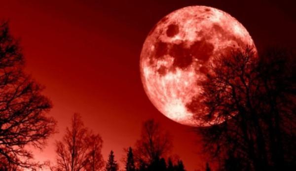 فلكيون يحذرون من زلزال عالمي عملاق خلال أيام بسبب ظاهرة القمر الدامي