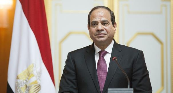 """السيسي للمواطنين: """"للي عاوز يعيش في مصر الفترة الجاية.. لازم يعمل كده"""""""