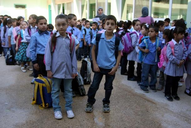 """""""الطالب هيدفع جنيه وهو داخل المدرسة كل يوم"""".. التعليم تكشف الحقيقة والتفاصيل !"""