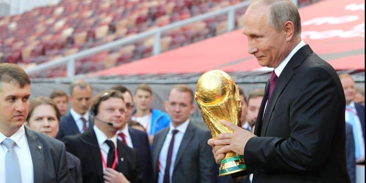 """""""هل سُيلغي المونديال؟"""".. رد فعل غير متوقع من بوتين بعد خروج روسيا من كأس العالم"""