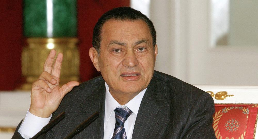 """ظهور جديد لـ """"حسني مبارك"""" يثير الجدل عبر مواقع التواصل.. وأنصاره: """"وحشتنا ياريس!!"""""""