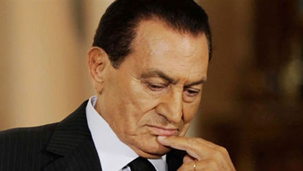 ظهور جديد لـ حسني مبارك يثير جدل عبر السوشيال ميديا.. وصفحة لأنصاره تكشف عن آخر رسالة منه