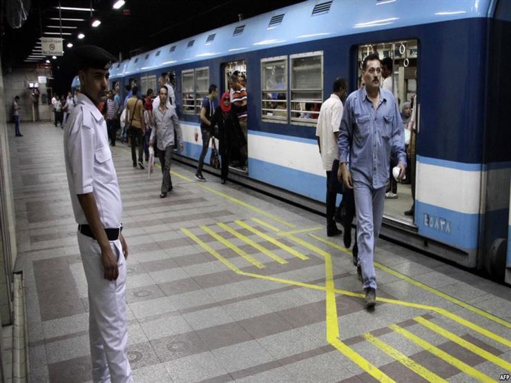 عاجل.. تفاصيل مثيرة وراء إنتحار شاب أسفل مترو الأنفاق منذ قليل