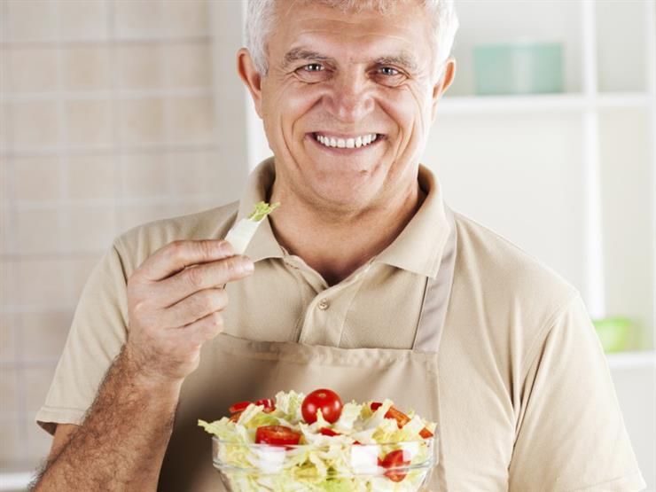 تحذير للرجل من تناول هذه الأطعمة بعد سن الخمسين